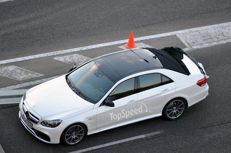 Facelift Mercedes E-Class Captured Cammo Free