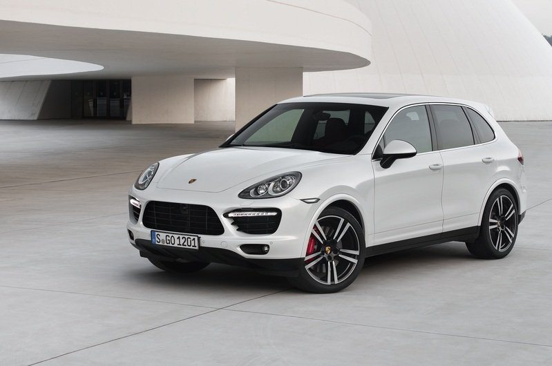 2013 Porsche Cayenne Turbo S High Resolution Exterior - image 477595