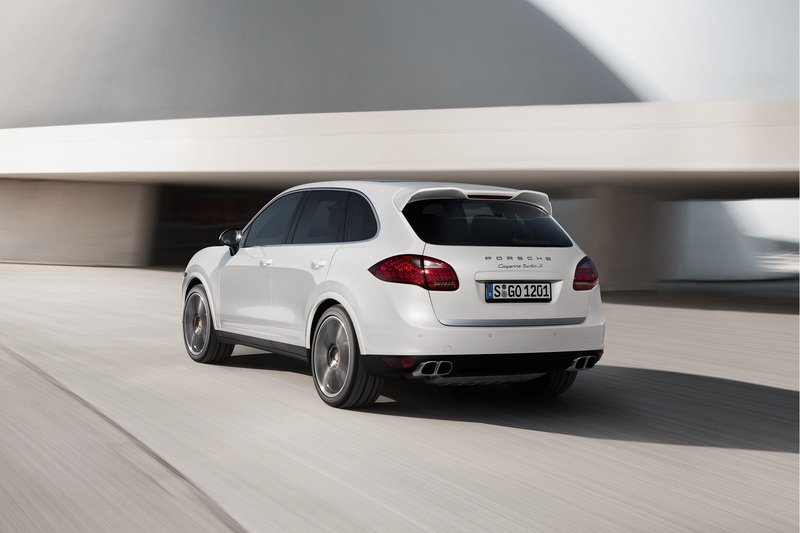 2013 Porsche Cayenne Turbo S High Resolution Exterior - image 477596