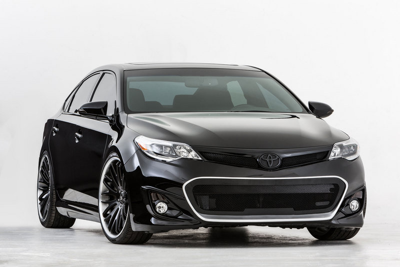 2013 Toyota Avalon by DUB Magazine