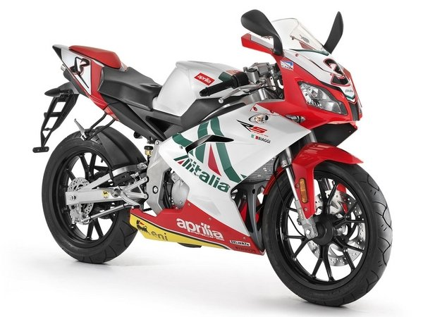 2013 aprilia rs 125 review top speed. Black Bedroom Furniture Sets. Home Design Ideas