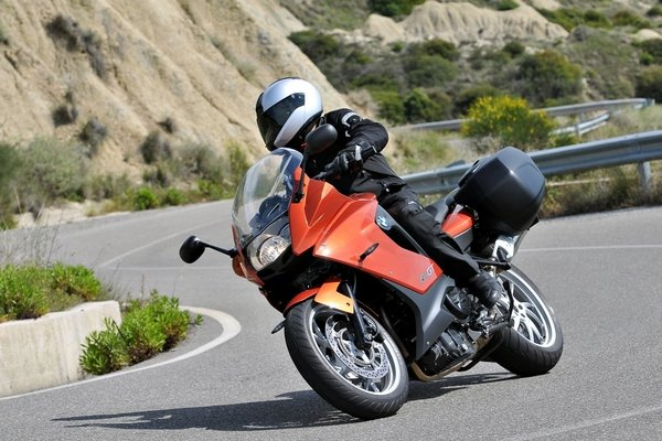 2013 Bmw F 800 Gt Review Top Speed