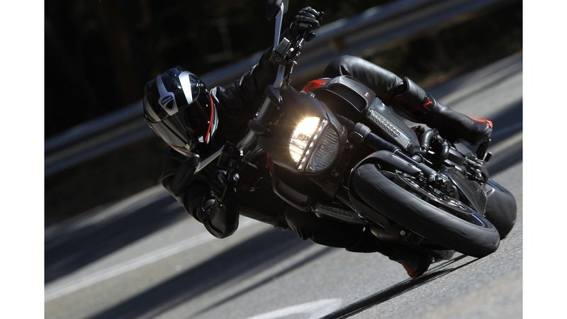 2013 Ducati Diavel Carbon High Resolution Exterior - image 481775