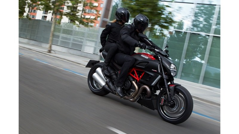 2013 Ducati Diavel Carbon High Resolution Exterior - image 481777