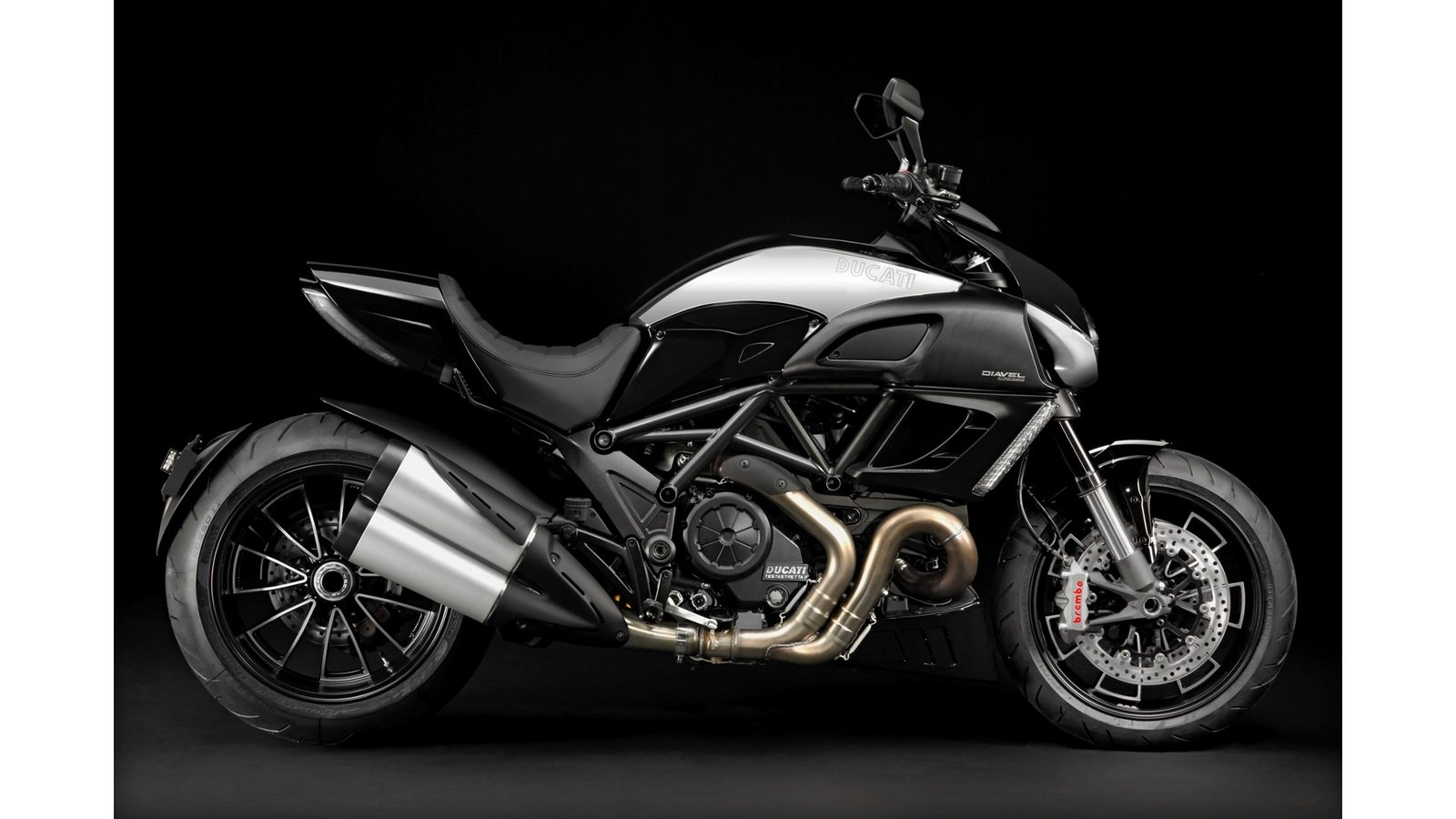 2013 Ducati Diavel Cromo Top Speed