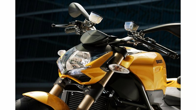 2013 Ducati Streetfighter 848 Exterior - image 482881