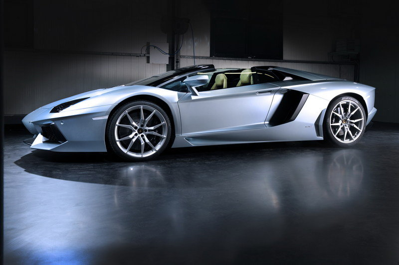 2013 Lamborghini Aventador LP700-4 Roadster High Resolution Exterior - image 481586