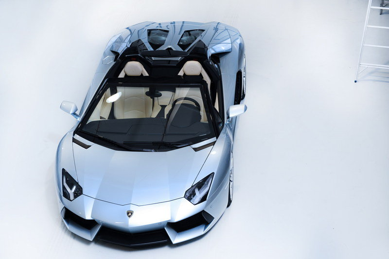 2013 Lamborghini Aventador LP700-4 Roadster High Resolution Exterior - image 481588