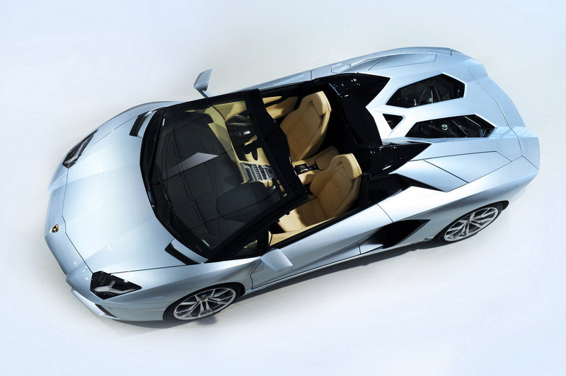 2013 Lamborghini Aventador LP700-4 Roadster High Resolution Exterior - image 481577