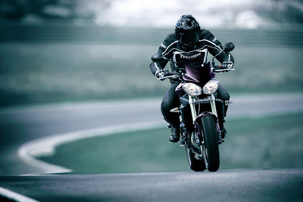 2013 triumph street triple r motorcycle review top speed. Black Bedroom Furniture Sets. Home Design Ideas