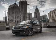 2013 Chrysler Town & Country S - image 483523