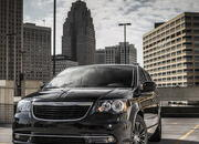 2013 Chrysler Town & Country S - image 483525