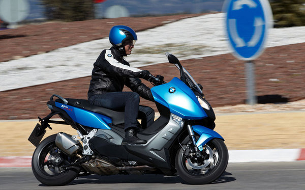 2013 bmw c600 sport motorcycle review top speed. Black Bedroom Furniture Sets. Home Design Ideas