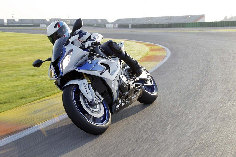 2013 BMW S1000RR HP4 High Resolution Exterior - image 486401