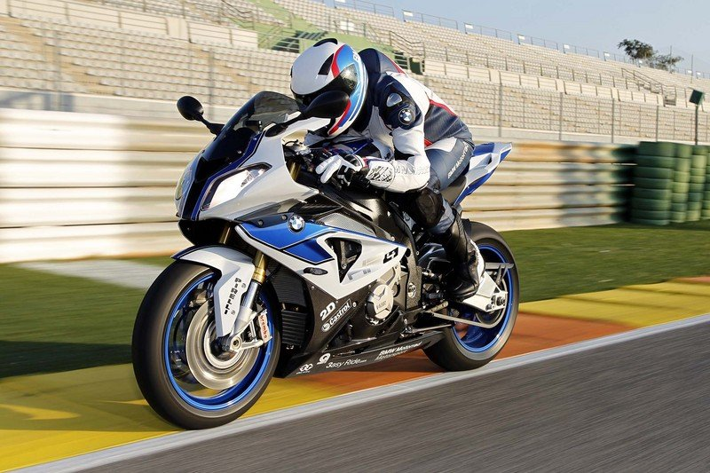 2013 BMW S1000RR HP4 High Resolution Exterior Wallpaper quality - image 486403