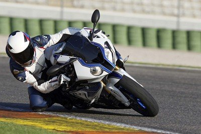 2013 BMW S1000RR HP4 | Top Speed