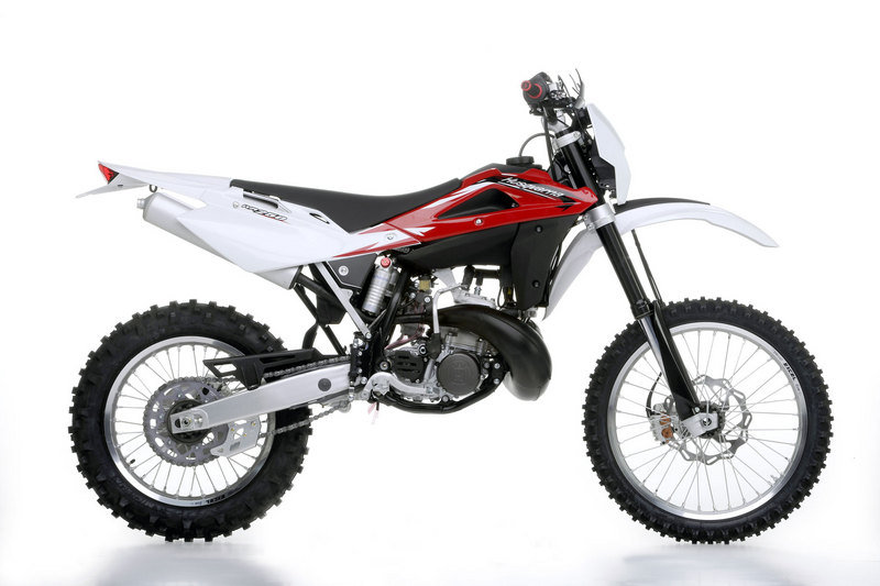 2013 Husqvarna WR 250 High Resolution Exterior - image 485628