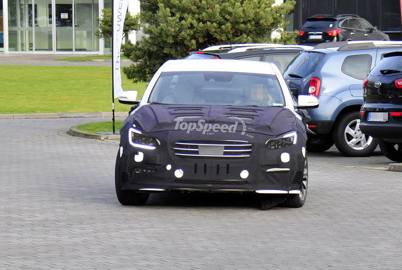 Spy shots: 2014 Hyundai Genesis Caught Testing for the First Time