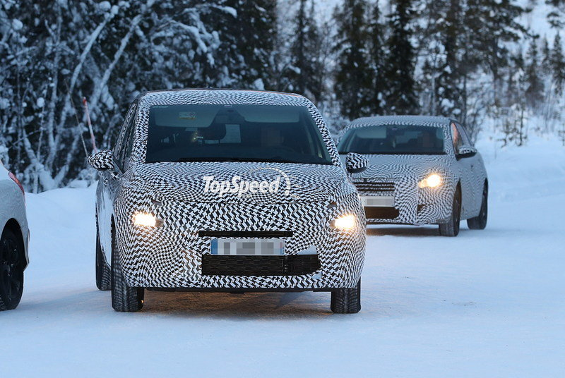 Spy shots: 2014 Citroen Grand Picasso Caught Cold-Weather Testing
