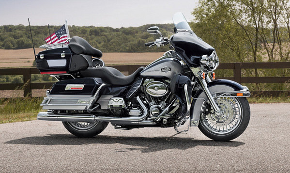2013 harley davidson touring ultra classic electra glide motorcycle review top speed. Black Bedroom Furniture Sets. Home Design Ideas