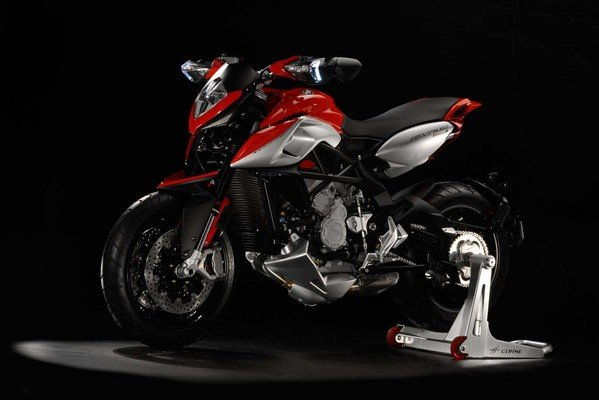 New reference a new mv agusta the rivale 800 absolute enjoyment