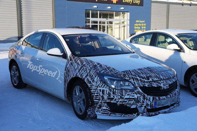 Spy shots: 2013 Opel Insignia Spied in the Cold