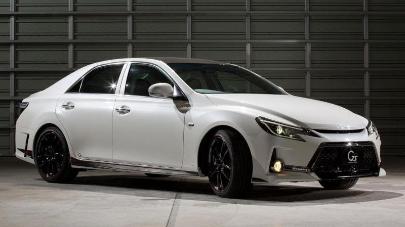2013 Toyota Mark X G Sports Carbon Roof Concept