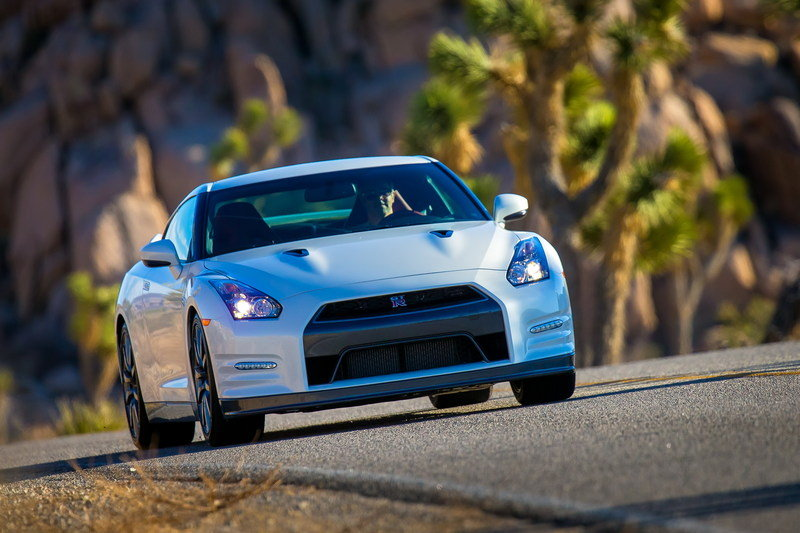 2014 Nissan GT-R High Resolution Exterior - image 488383