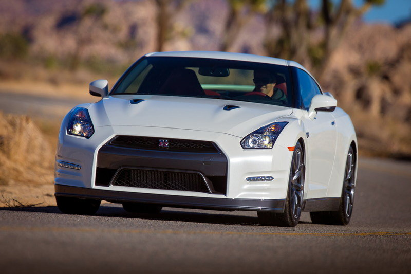 2014 Nissan GT-R High Resolution Exterior - image 488377