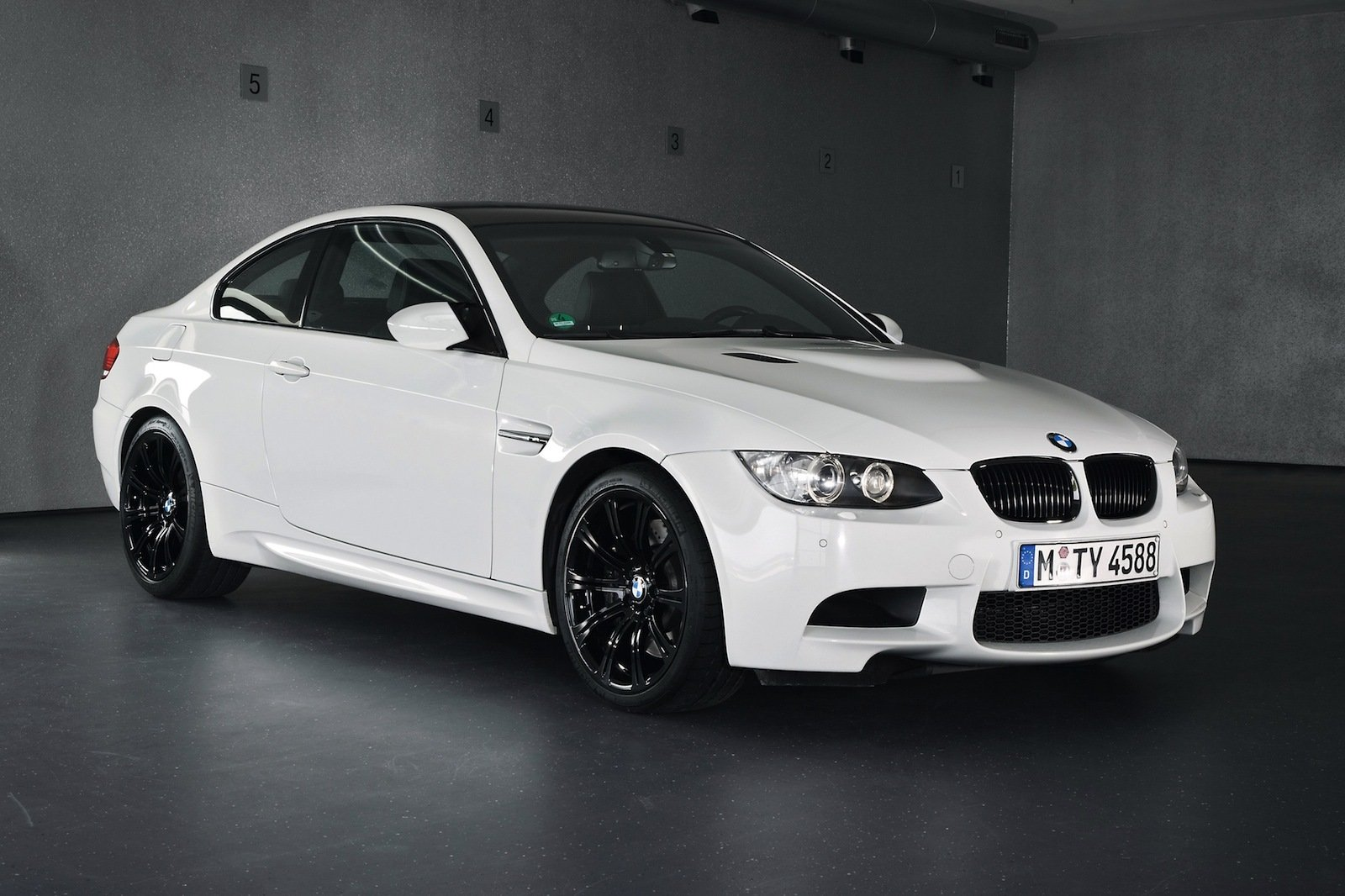 2013 bmw m3 pure coupe review top speed. Black Bedroom Furniture Sets. Home Design Ideas