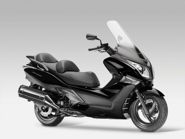 scooter silverwing 600cc. Black Bedroom Furniture Sets. Home Design Ideas