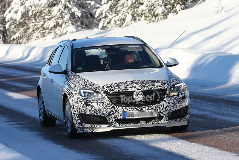 Spy shots: Opel Insignia SportsTourer Caught in the Cold