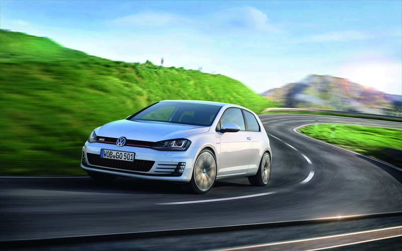 2013 Volkswagen Golf VII GTI High Resolution Exterior Wallpaper quality - image 494401