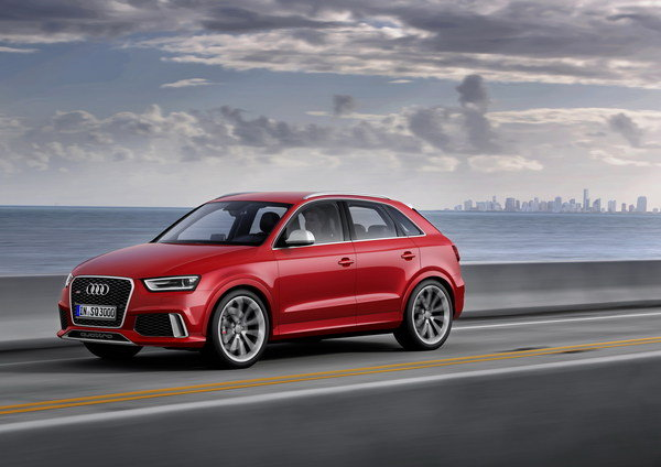 2014 Audi RS Q3 | car review @ Top Speed