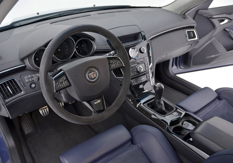 2013 Cadillac CTS-V Silver Frost and Stealth Blue Limited Edition Interior - image 492941