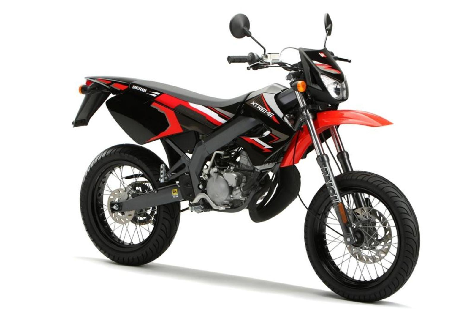 2013 derbi senda drd x treme 50 sm review top speed. Black Bedroom Furniture Sets. Home Design Ideas