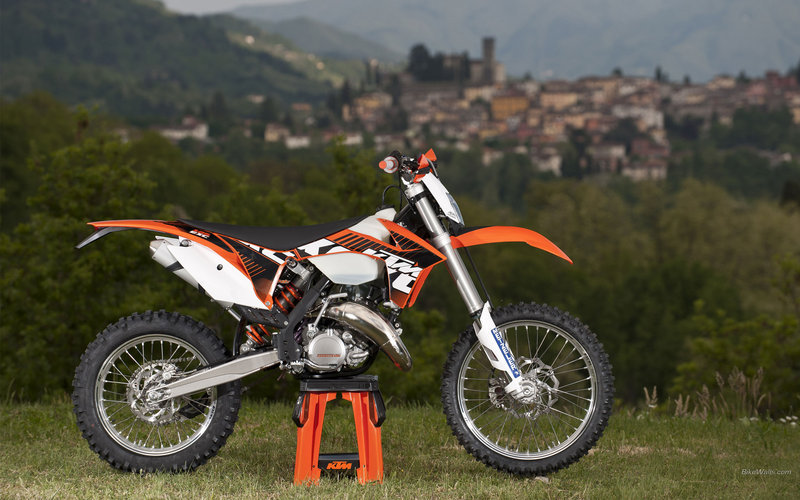 2013 KTM 125 EXC High Resolution Exterior - image 492306