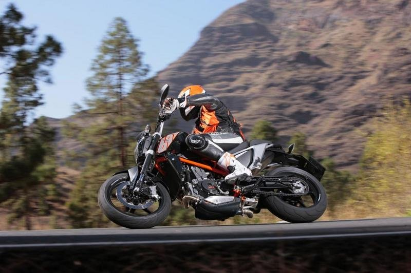 KTM Edges Out BMW, Sells Record 158,760 Motorcycles in 2014
