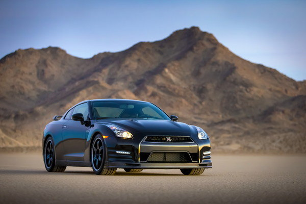 2014 nissan gt r track edition car review top speed. Black Bedroom Furniture Sets. Home Design Ideas