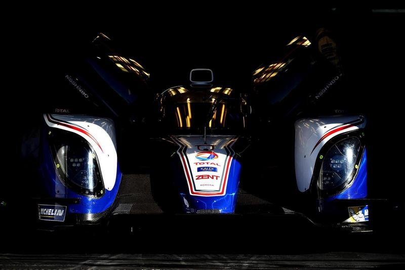 2013 Toyota TS030 Hybrid Race Car