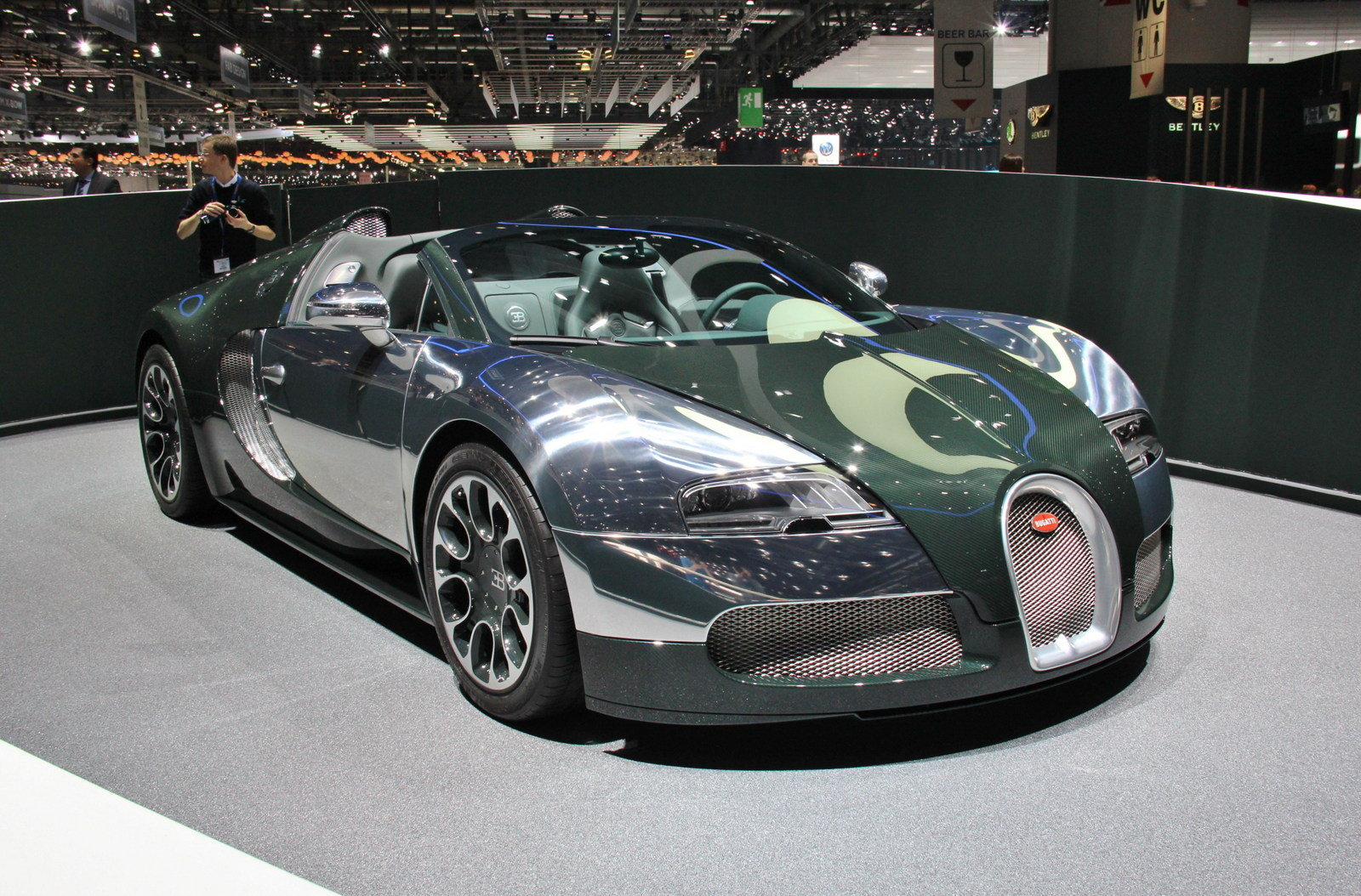 2013 bugatti veyron 16 4 grand sport green carbon. Black Bedroom Furniture Sets. Home Design Ideas