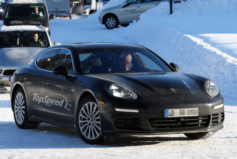 Spy Shots: Porsche Panamera Facelift Caught Without Cammo