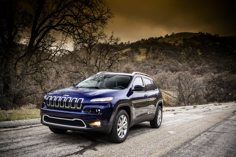 Jeep Could Put the Wrangler JL's 2.0-liter in the new Cherokee