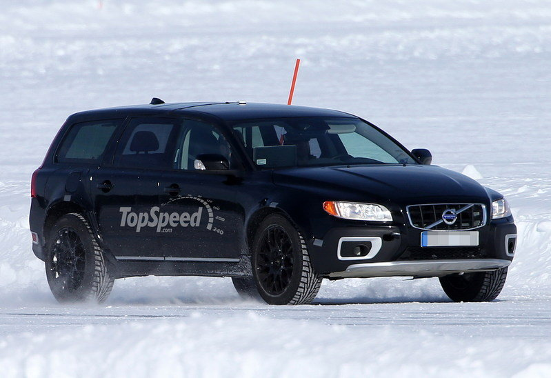 Spy Shots: Volvo XC90 Mule Caught Testing for the First Time