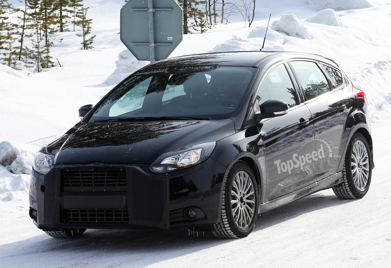 2016 Ford Focus RS Exterior Spyshots - image 499014