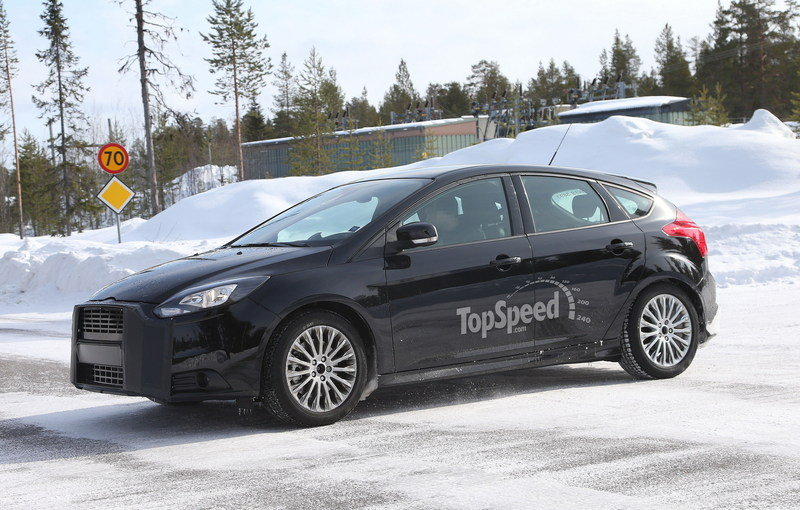 2016 Ford Focus RS Exterior Spyshots - image 499017
