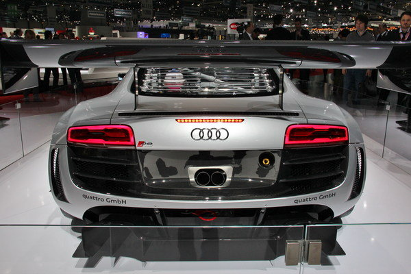 2013 Audi R8 LMS Ultra | car review @ Top Speed