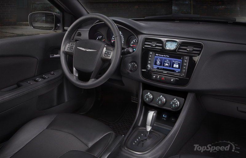 2014 Chrysler 200 S Special Edition Interior - image 498710