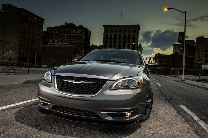 2014 Chrysler 200 S Special Edition High Resolution Exterior - image 498703