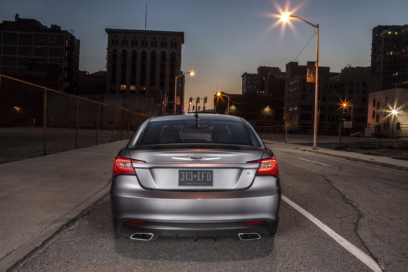 2014 Chrysler 200 S Special Edition High Resolution Exterior - image 498704